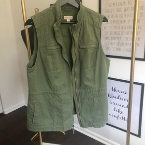 EUC green utility vest for fall